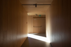 Boiserie-acoustique_couloirs_001