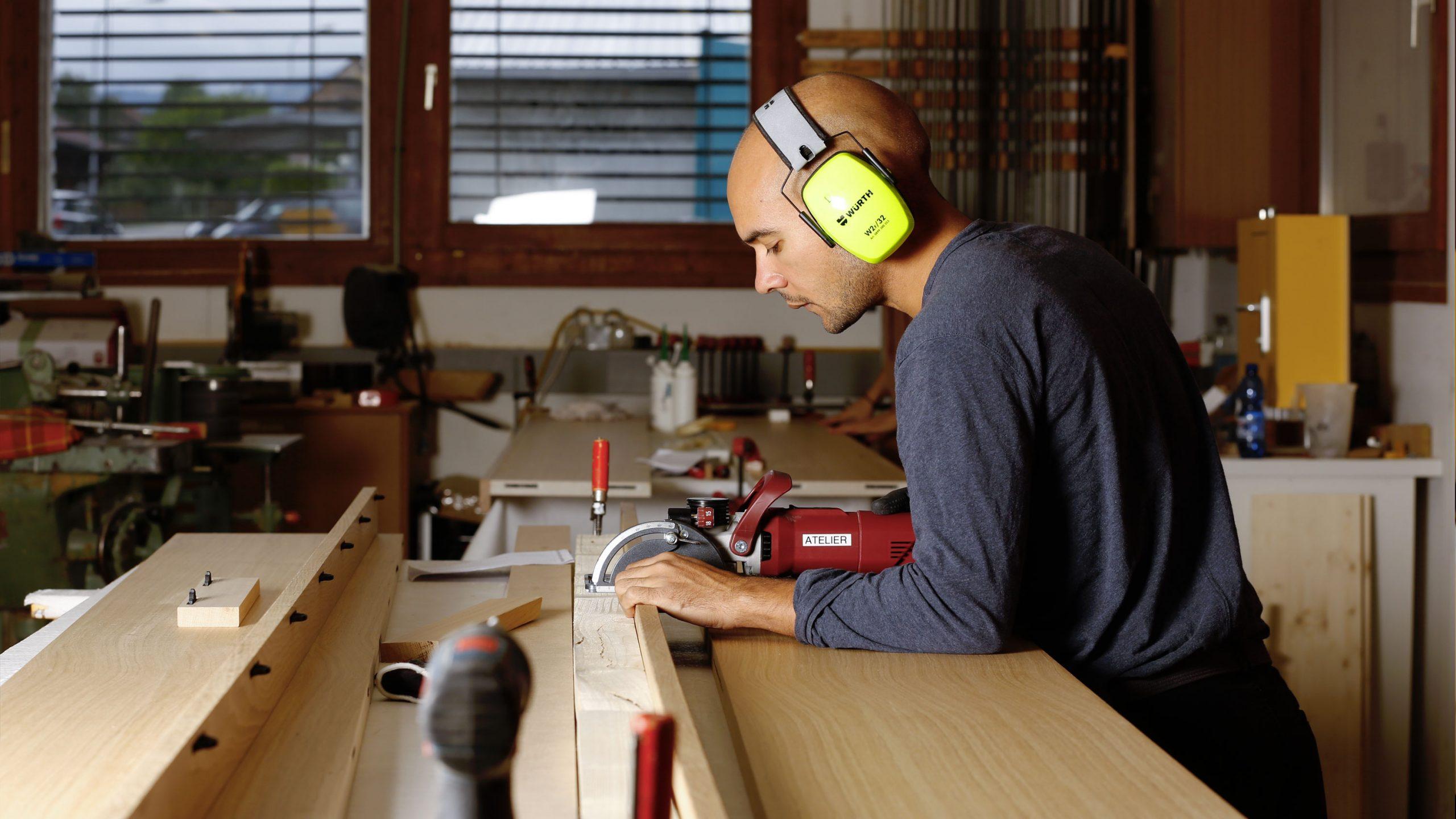 Notre personnel est formé aux plus hautes exigences- de fabrication et de pose.